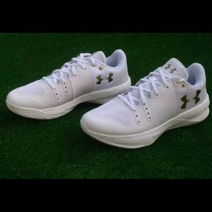 Under Armour womens Block City Volleyball SZ 8 new